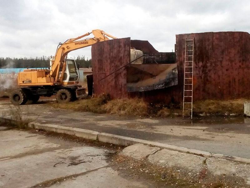 Сухой Лог - фото2. Демонтаж старого резервуара