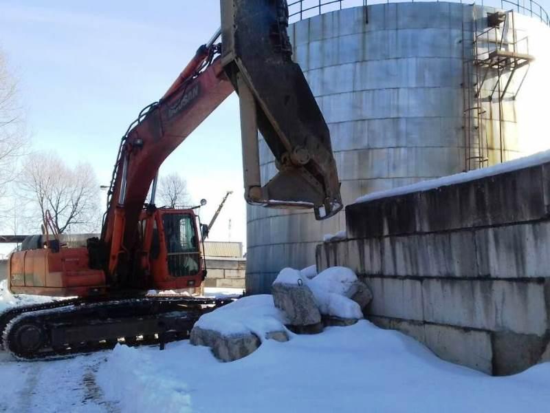 СТКАО МАШ. Фото4 - подготовка к демонтажу двух РВС-2000