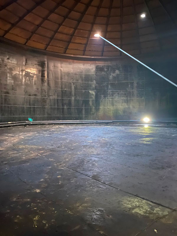 КамчатскЭнерго. Фото7 - РВС 10000 вид после зачистки бака